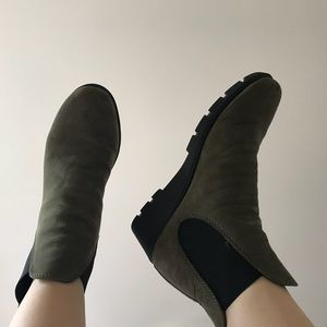 Shoes - Green Ankle Boots